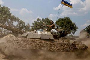 Porosheno threatens martial law in Ukraine