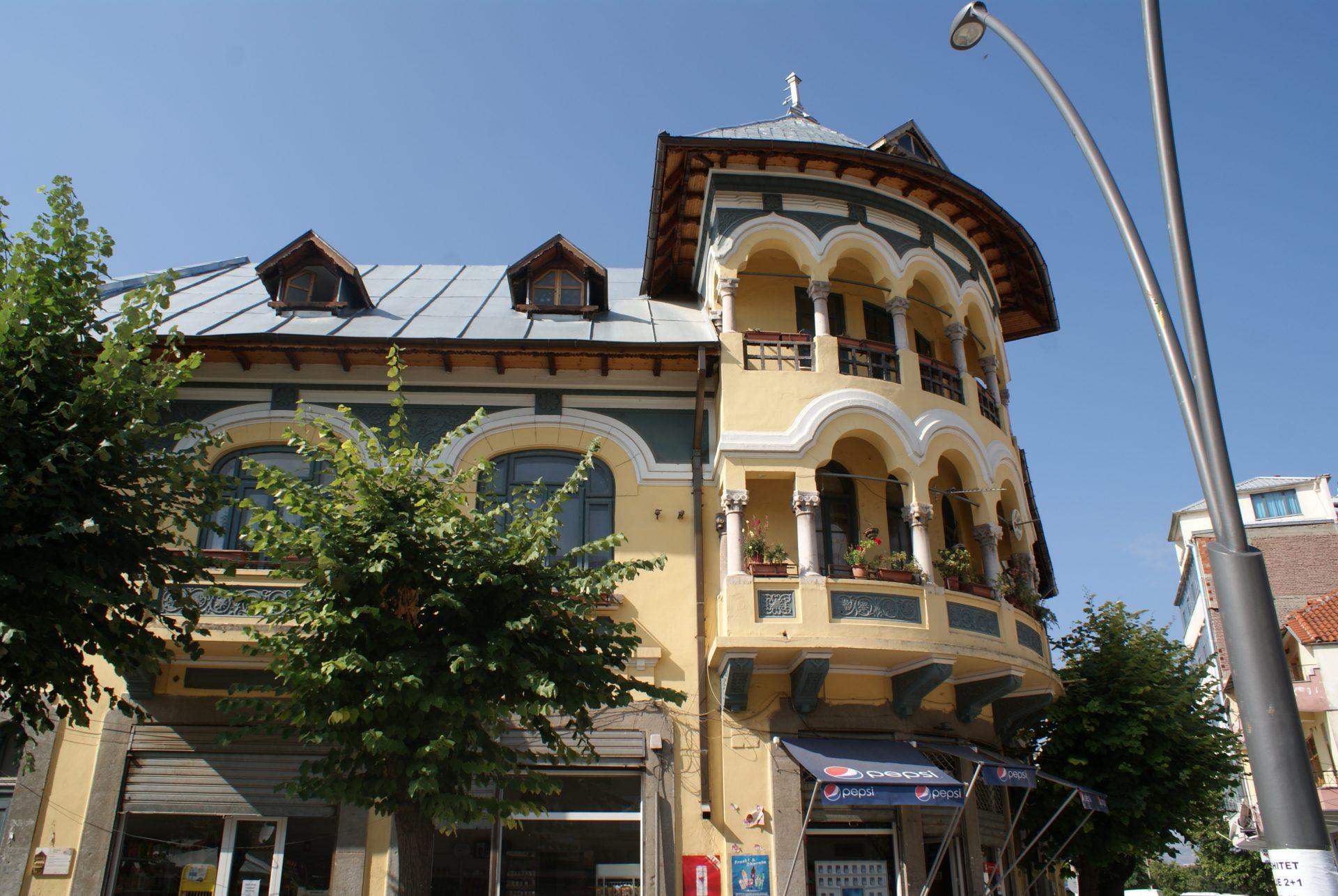 Korça, The Albanian Little Paris