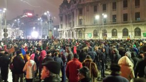 Romanian government scraps anti-graft decree amid protests