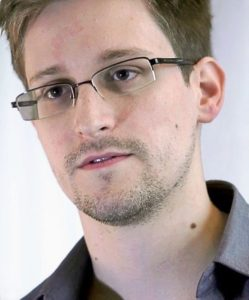 Russia may send Snowden Back to US in Gift to Trump