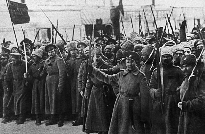 an analysis of the fall of the romanov dynasty in russia The decline and fall of the romanov dynasty world war 1 was the defining factor which led to the collapse of the romanov dynasty in february, 1917.