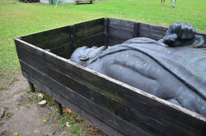 Two Thirds Of Russian Want Lenin Finally Buried