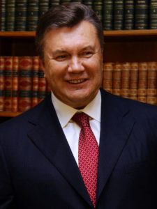 Poroshenko Signs Law Allowing Yanukovych Conviction In Absentia