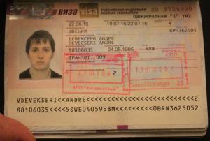US Suspends Russian Nonimmigrant Visa Applications