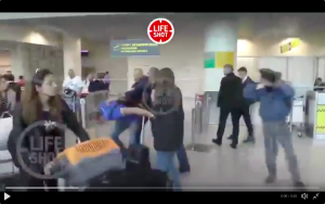 Navalny attacked with sausages at Moscow airport