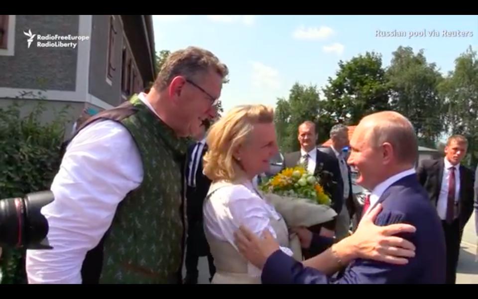 Video: Putin Waltzes At Austrian Foreign Minister's Wedding