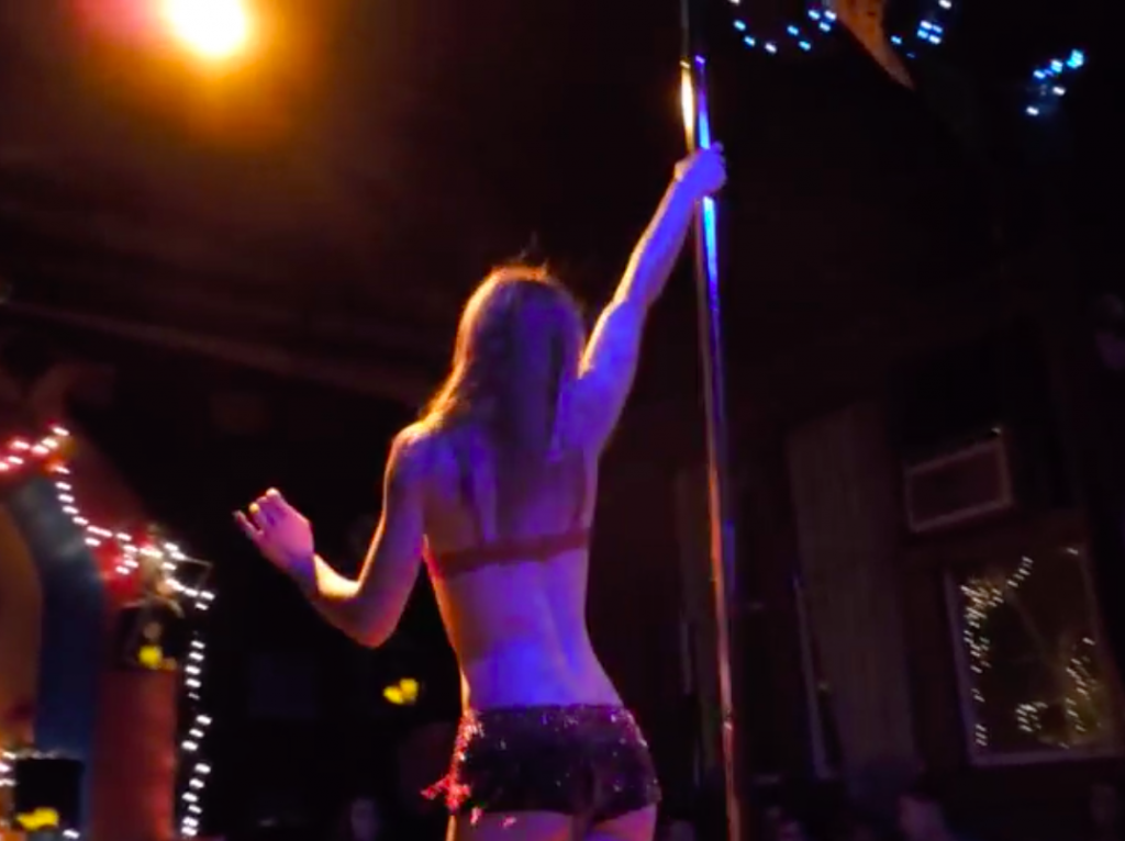 Snowden Marries Pole-Dancing Girlfriend In Moscow