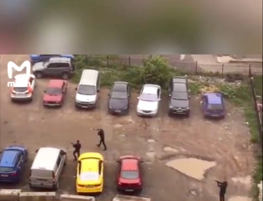 VIDEO:  Road Rage Causes Mafia Gang Shoot Out In Moscow...OK Corral Flashback!