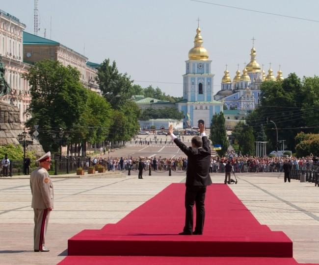 Former Ukrainian President Poroshenko Hospitalized With Chinese Coronavirus