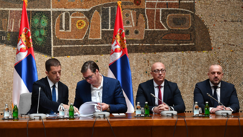 Vucic Promises Money To Kosovo Serbs Who Do Not Leave Country