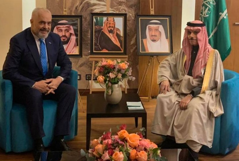 Albanian Prime Minister Discusses Green Initiatives and Cooperation with Saudi Foreign Minister